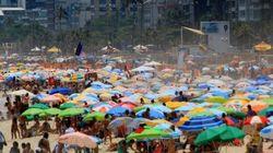 Rio 50ºC: Turistas trocam praia por espaços com