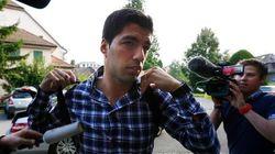 Depois de prometer não morder mais ninguém, Suárez tenta reduzir punição em tribunal na