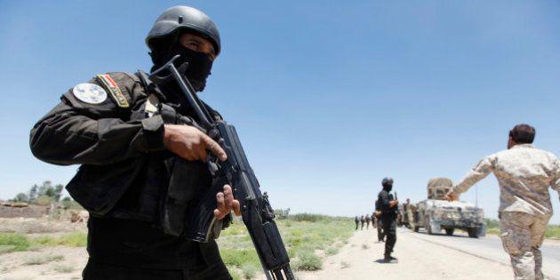 Insurgentes ocupam campos de petróleo e atacam base dos EUA no