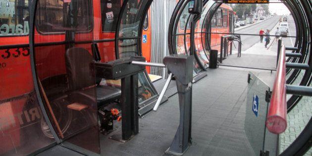 Greve de cobradores permite dia de 'catraca livre' no transporte público de