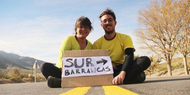 Casal de brasileiros viaja do Ushuaia ao Alasca fazendo trabalhos