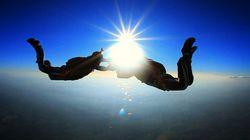 FOTOS: Avô, pai e filho saltam de paraquedas pela primeira vez