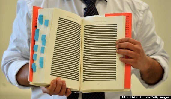 Prisioneiro de Guantánamo detalha torturas no primeiro livro escrito dentro da