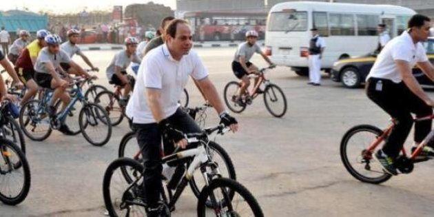 Presidente do Egito pede que população caminhe e use mais