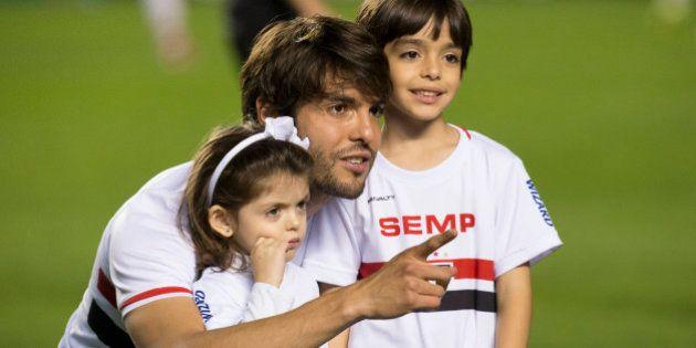 Kaká agradece Rogério Ceni por ter sido capitão e festeja 3 a 1 em cima do