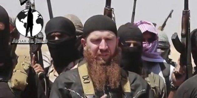 Estado Islâmico decapita e crucifica oponentes em avanço no leste da