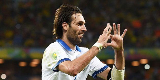 Jogadores da Grécia abrem mão do prêmio pela classificação às oitavas de final da Copa