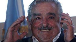 Mujica disse o que acha da Fifa. As mães de Blatter, Valcke e cia. é que não vão