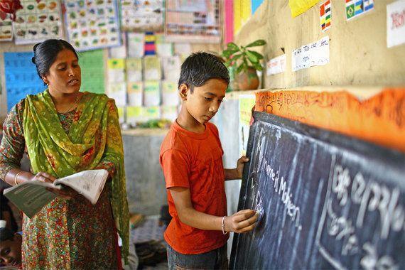 Unicef: Estudantes ricos recebem 18 vezes mais investimentos em educação do que os