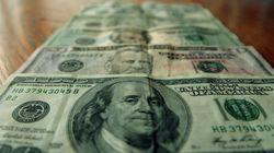 Dólar fecha semana com queda de quase 2% ante