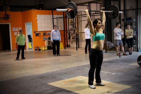 A ciência comprova: exercícios na forma livre, sem uso de aparelhos, são mais