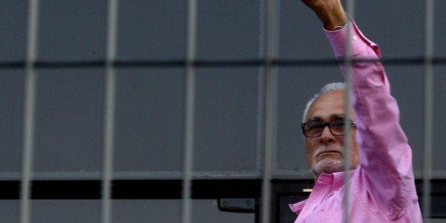 Condenado no mensalão, José Genoino é liberado para cumprir pena em