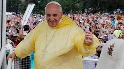 Papa recebe transexual e sua namorada no