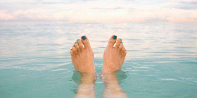 9 coisas que seus pés podem estar tentando mostrar para