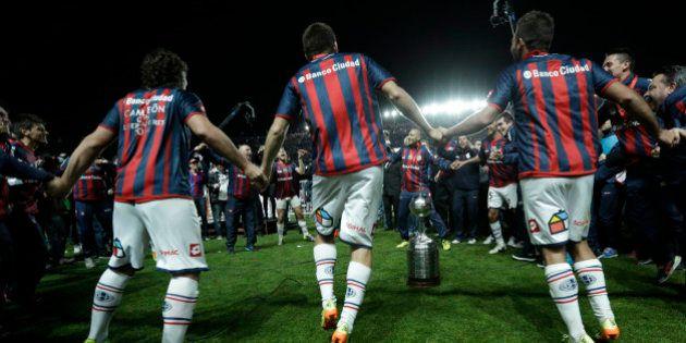 San Lorenzo vence a Libertadores e papa promete receber atletas no