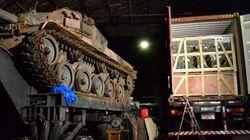 Rota da PM apreende dois tanques de guerra em galpão em São