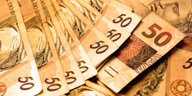 Receita paga hoje terceiro lote de restituição do imposto de renda a quase 1,6 milhão de