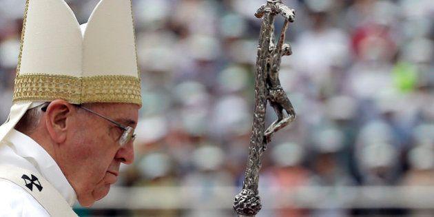 À juventude católica asiática, papa prega fim de 'materialismo', 'modelos econômicos desumanos' e 'espírito...