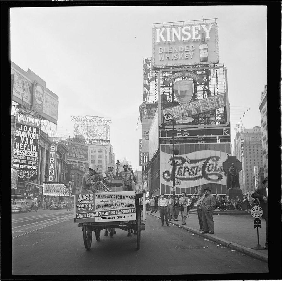 Fotografias clássicas em preto e branco ganham versões coloridas - e dão vida à história novamente