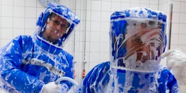 Veja como é uma estação de isolamento pronta para tratar pacientes de Ebola
