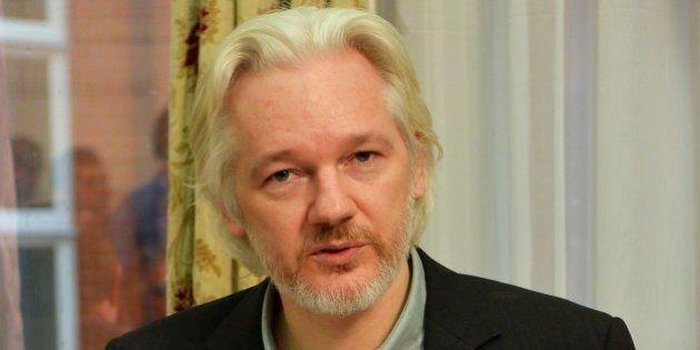Julian Assange, fundador do Wikileaks, diz que vai sair da embaixada do Equador em