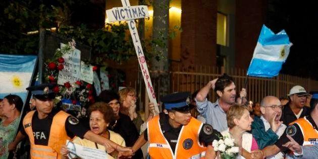 Em funeral de promotor argentino Alberto Nisman, argentinos pedem paz e