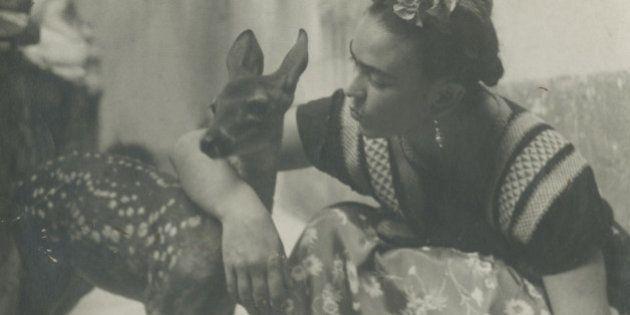 Estas fotos da intimidade de Frida Kahlo são a prova de que ela era uma artista completa