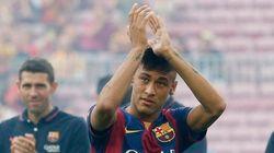 Suárez e Neymar voltam aos gramados em goleada do Barça contra time