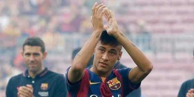 Na estreia de Suárez, Neymar brilha e Barcelona vence León por 6 a 0 em torneio