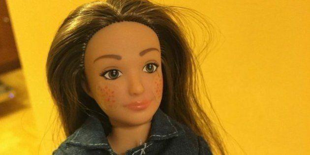 Designer cria a 'Barbie normal', com estrias e