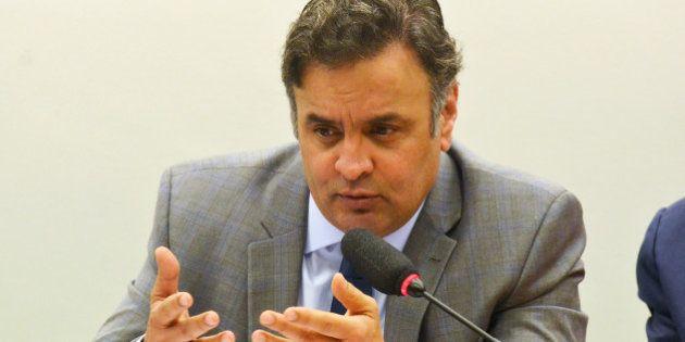 Aécio Neves propõe mandato de cinco anos, fim da reeleição e