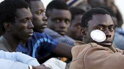 Imigrantes muçulmanos jogam cristãos no mar durante travessia para a