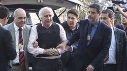 Vítimas de abuso por Roger Abdelmassih tentam agredi-lo na chegada a