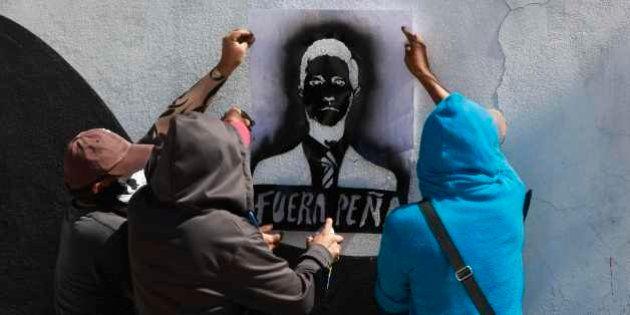 Estudantes pedem renúncia do presidente mexicano em seis