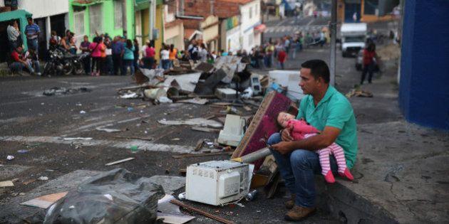Governo da Venezuela anuncia controle biométrico para a compra de alimentos em mercados privados e