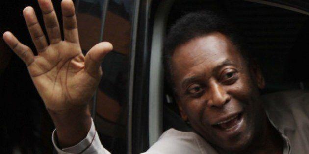 Após cirurgia de retirada de cálculo renal, Pelé volta a ser internado em São Paulo com infecção