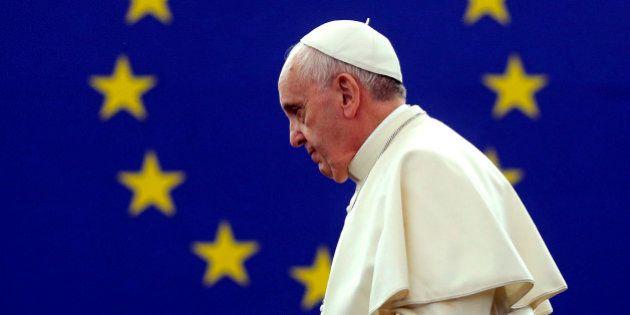 Papa pede que Europa aceite imigrantes e crie