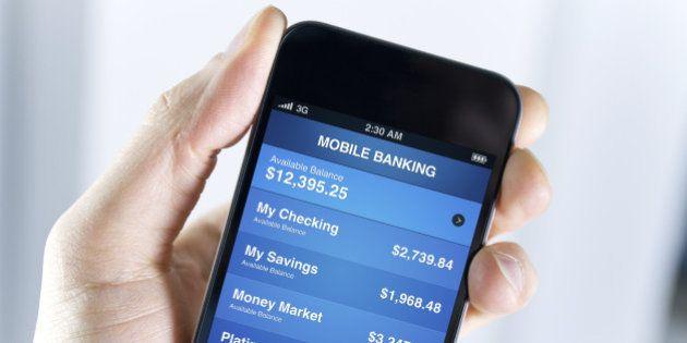 Operação bancária feita no smartphone pode ser até quatro vezes mais segura do que cartões, diz
