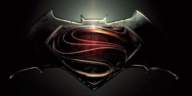 Diretor de 'Batman vs Superman' publica trailer após vazamento