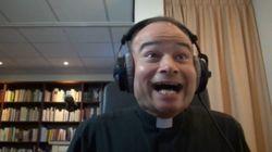 ASSISTA: Padre não controla a euforia ao assistir o novo trailer de 'Star