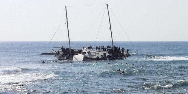 Enquanto corpos de naufrágio no Mediterrâneo chegam a Malta, outro barco afunda na