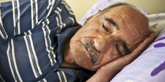 Por que idosos dormem