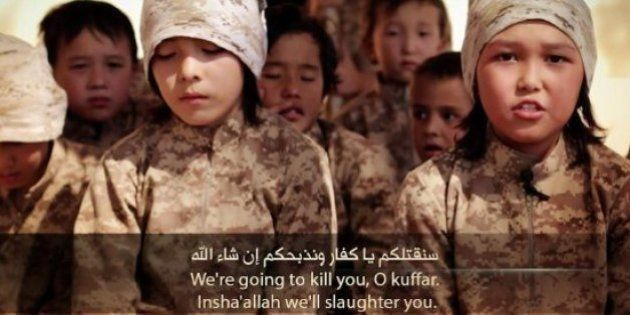 Estado Islâmico vende, crucifica e enterra crianças vivas no Iraque, diz