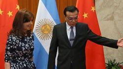 'Aloz' e 'petlóleo': Cristina Kirchner zomba de chineses em visita oficial... à