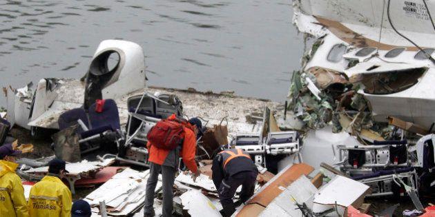 Caixas-pretas revelam falha nas turbinas de avião da TransAsia que caiu na capital de