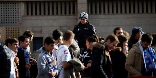 Morte de torcedor espanhol desperta cobranças contra os