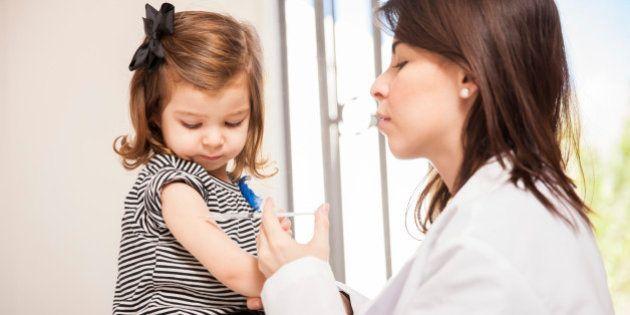 Estudo com 95 mil crianças prova de vez: vacina não tem nada a ver com