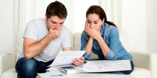 Taxas de juros recordes: Pagamento do valor mínimo da fatura do cartão de crédito pode quase dobrar a