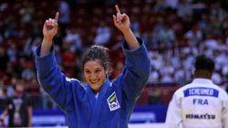 Brasileira fatura medalha de ouro em Mundial e se torna lenda aos 23