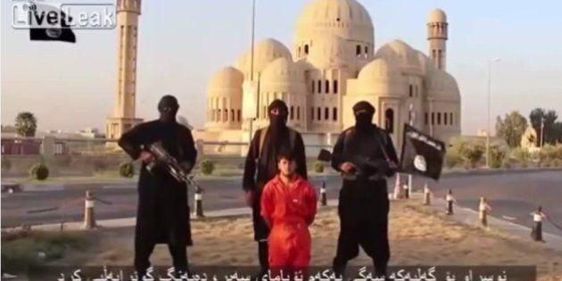 Estado Islâmico divulga novo vídeo que mostra a decapitação de refém curdo e ameaça os